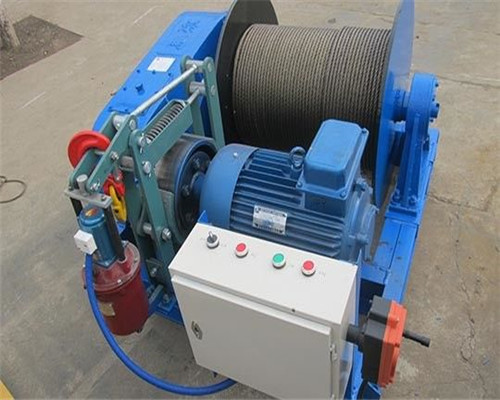 Ellsen winches in good quality.